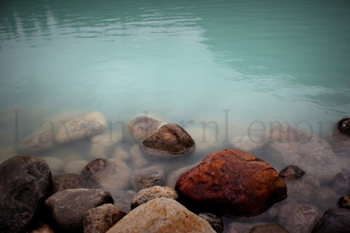 Look at the color of water. Aww! I love glacier lakes!